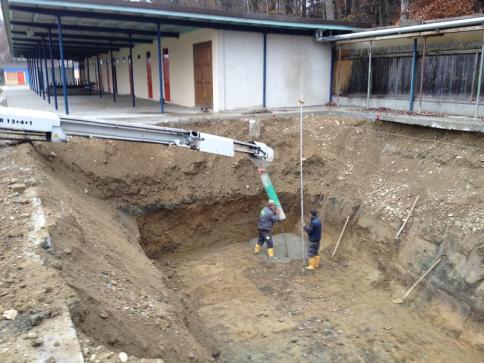 Baugrube Schlammwasserbehälter